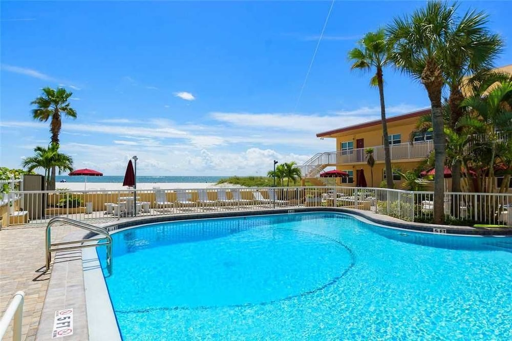 342 At Surf Song Resort By Redawning Madeira Beach