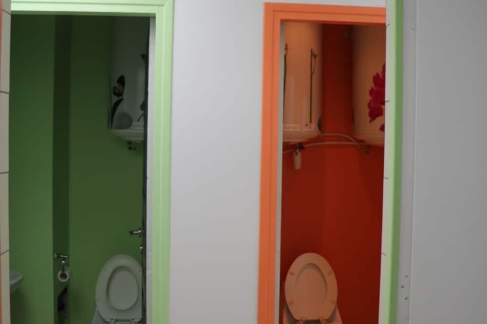 Bendrabutis, mišrus bendrabutis (Bed in 4-bed Mixed Dorm) - Vonios kambarys