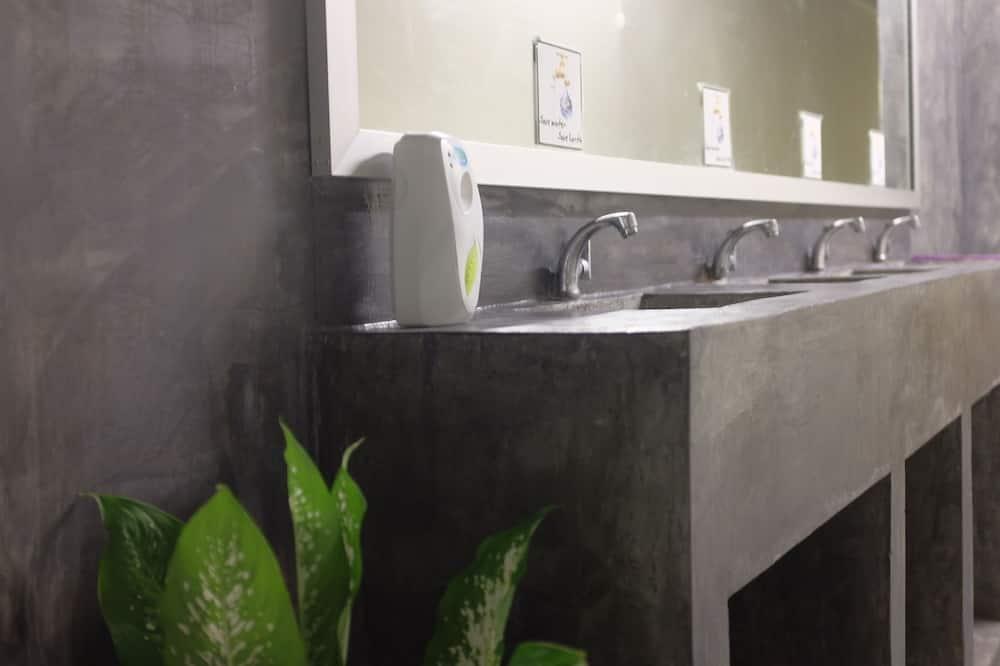 Female Dormitory with Air Con - Bathroom Sink