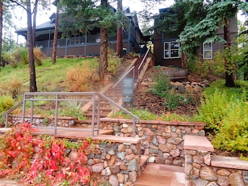 Picture of The Outlook Lodge in Green Mountain Falls