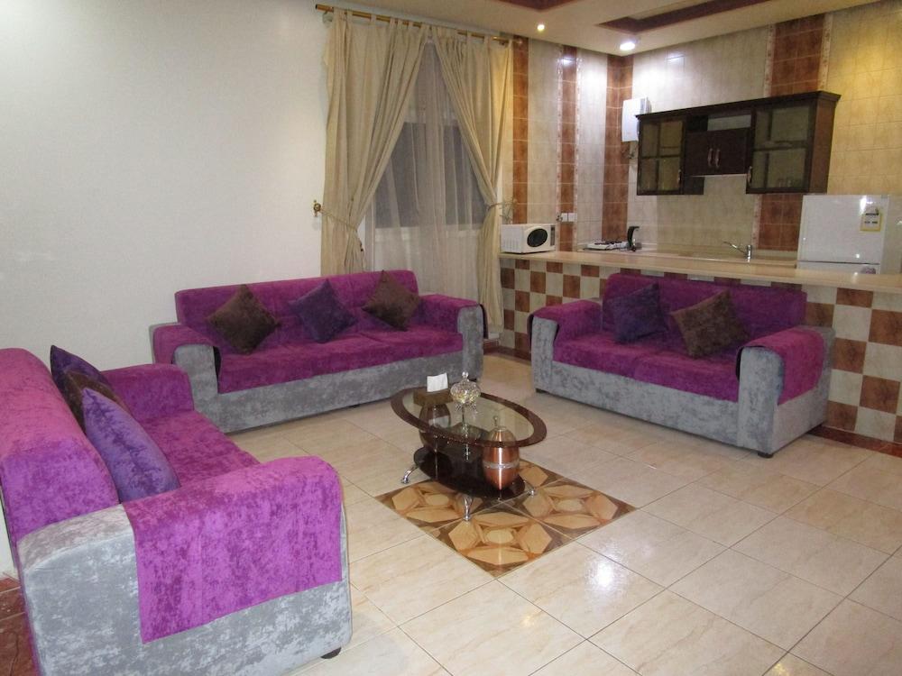 Book Lamasat Al Hamra Furnished Apartments in Riyadh | Hotels.com