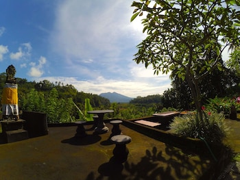 Enter your dates for our Karangasem last minute prices
