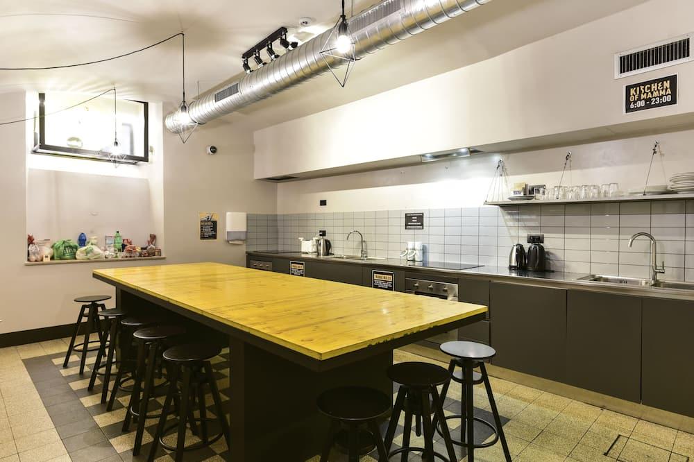 Basic Oda, Karma Ranzalı Oda (up to 6 people) - Ortak mutfak