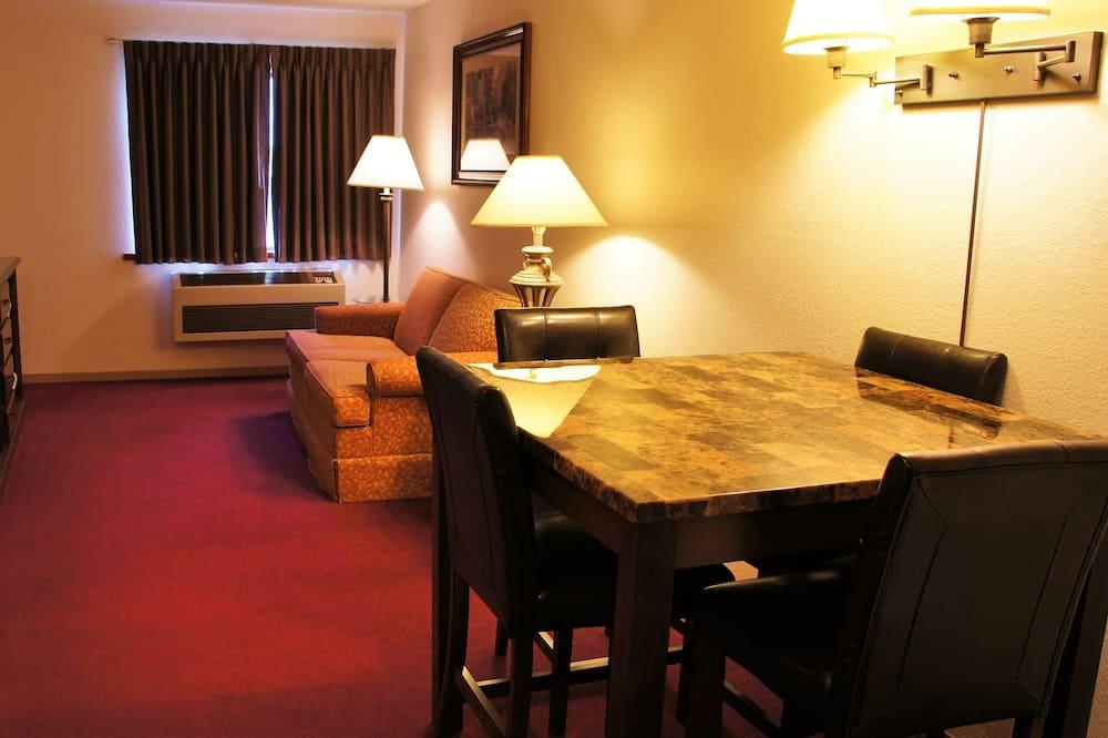 Suite, 2Queen-Betten - Wohnzimmer