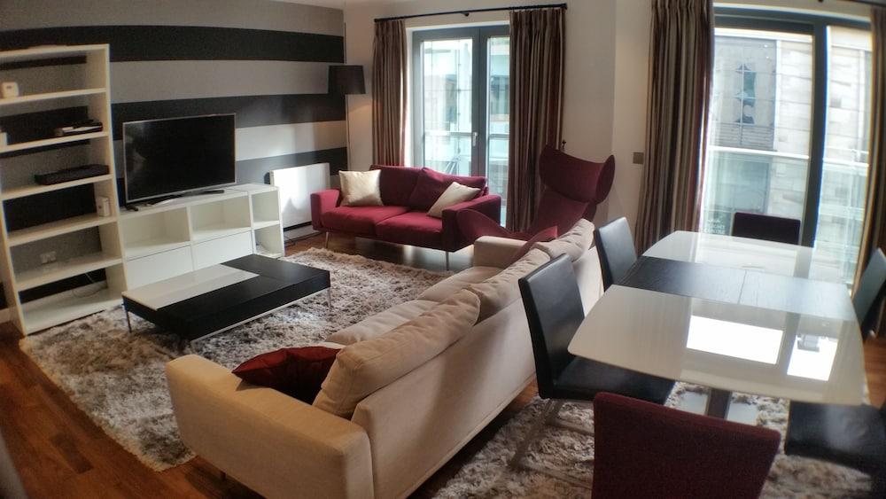 buchanan street 3 bedroom suite glasgow info photos reviews