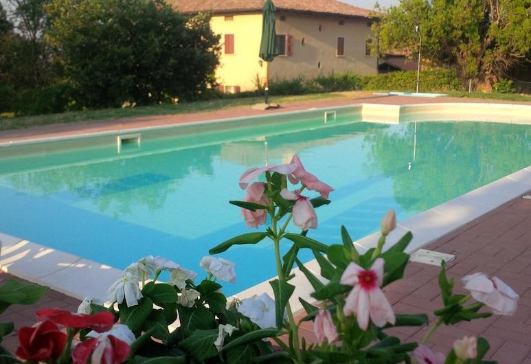 Agriturismo Montevecchio Isolani, Monte San Pietro, Piscina al aire libre