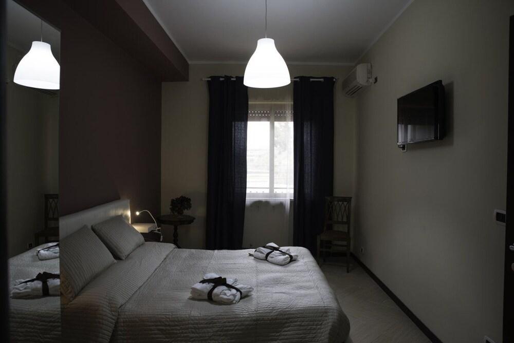 Prenota B&B Del Centro a Valguarnera Caropepe - Hotels.com