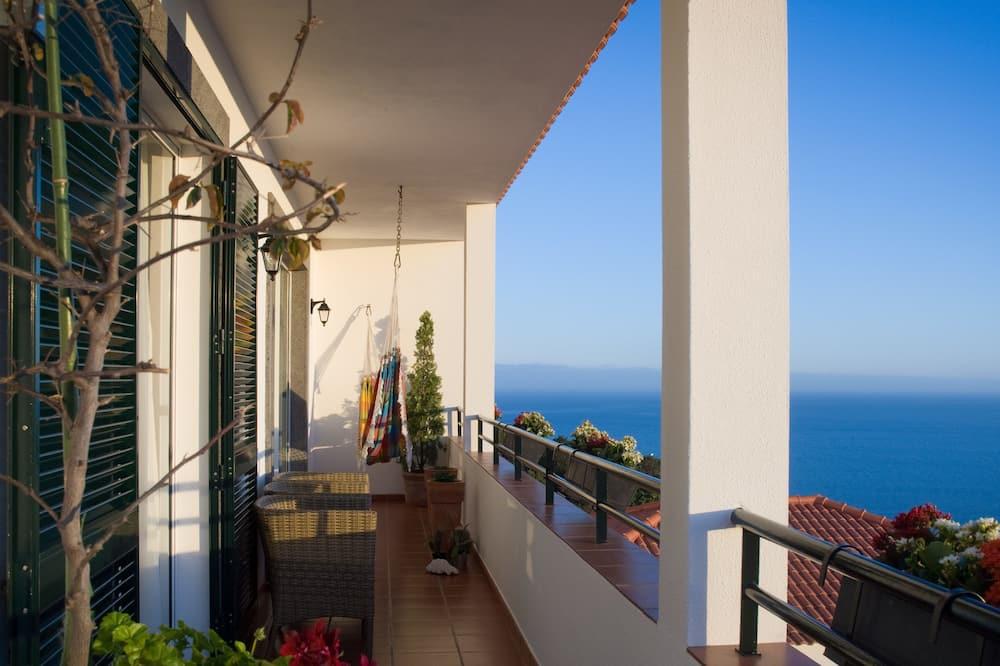 Панорамні апартаменти, 2 спальні, з балконом, з видом на море - Тераса/внутрішній дворик