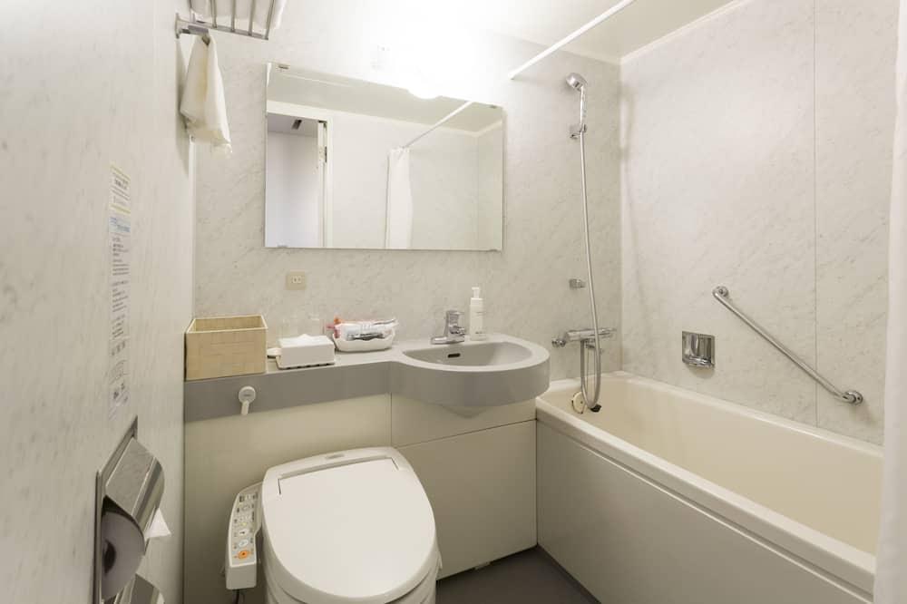 Kahden hengen huone, Tupakointi kielletty (Main Building, For 1 Adult) - Kylpyhuone