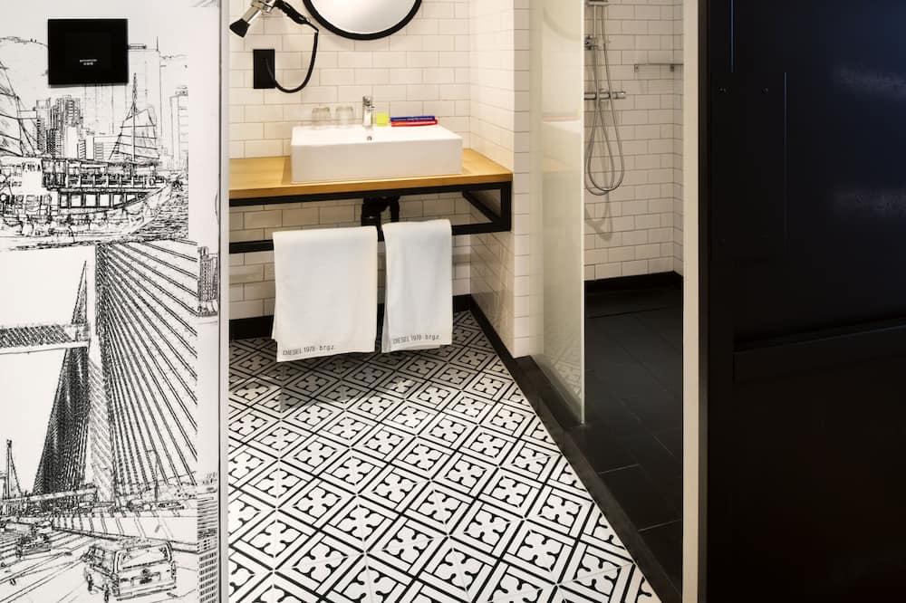 penta Plus King Room - Bathroom