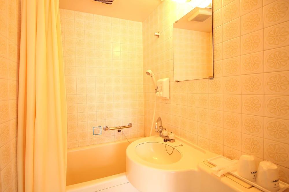 Двухместный номер с 1 двуспальной кроватью, для некурящих - Ванная комната