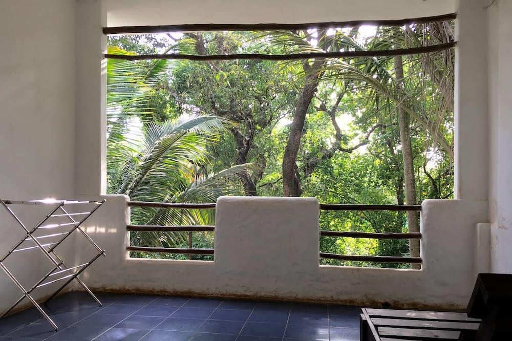 Premium Room, 1 King Bed, Smoking - Balcony
