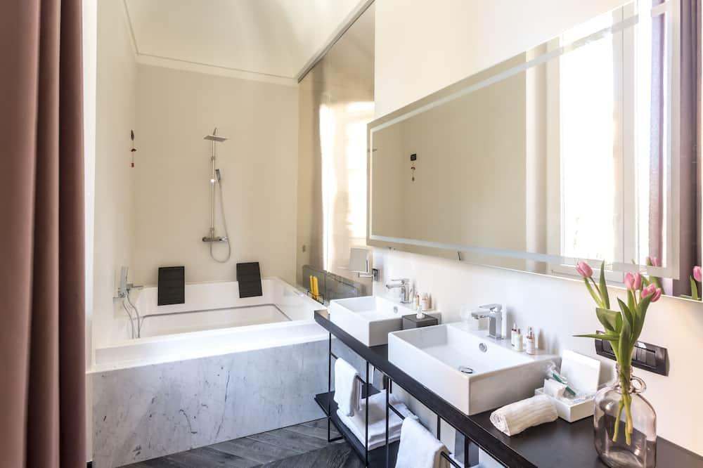Suite Eksekutif, jet tub - Kamar mandi