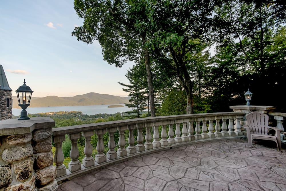 The Castle Cottage - Balcony