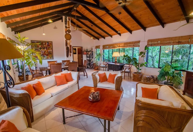 Plaza Colonial Penthouse, Sosua