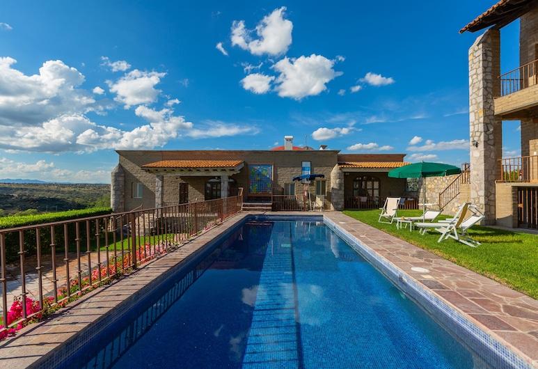Grand Las Nubes by Inmense, San Miguel de Allende, Pool