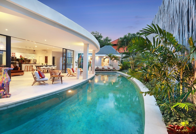 Seminyak White Design Villa, Seminyak, Piscina externa
