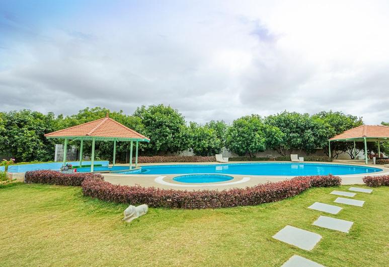 Fiestaa Resort n Events Venue, Bengaluru, Pool