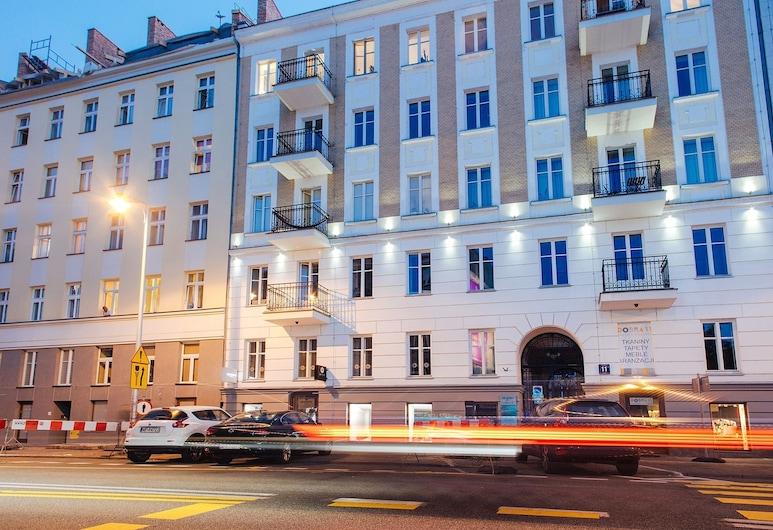 ShortStayPoland Dobra (B9), Βαρσοβία, Πρόσοψη καταλύματος - βράδυ