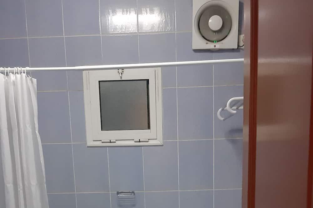 Családi apartman, 2 hálószobával - Fürdőszoba