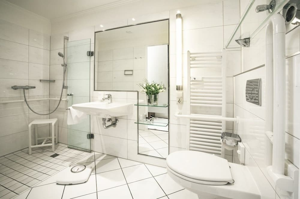 ห้องคอมฟอร์ทดับเบิล, ระเบียง, วิวทะเล - ห้องน้ำ