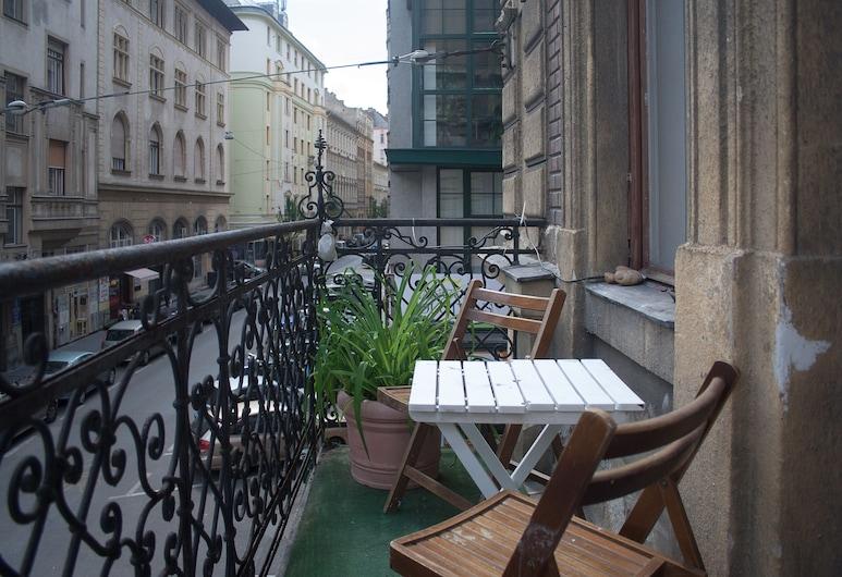 Historic Budapest Apartments, Budapeszt, Pokój Panoramic, Łóżko podwójne i sofa, widok na miasto, Balkon