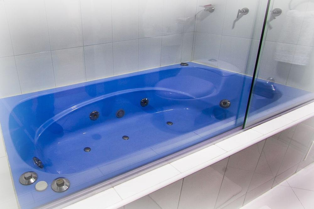 Junior Suite - Jetted Tub