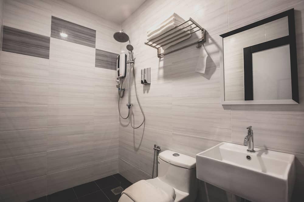 Executive Twin Room, 2 Twin Beds - Bathroom