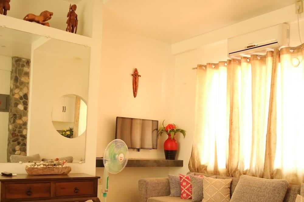 Deluxe Family for 8 - Living Room