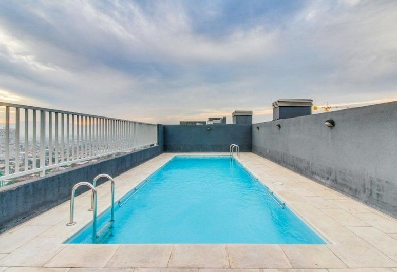 Altos Alameda apartments, Santiago, Piscina panoramica