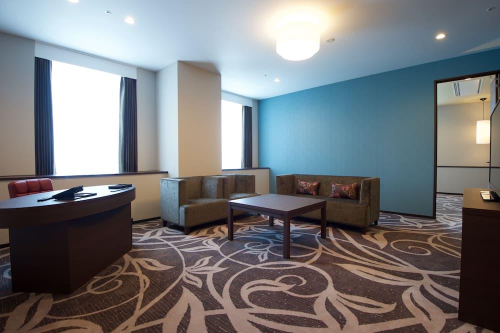 Corner Suite Double Room, Non Smoking - Living Area