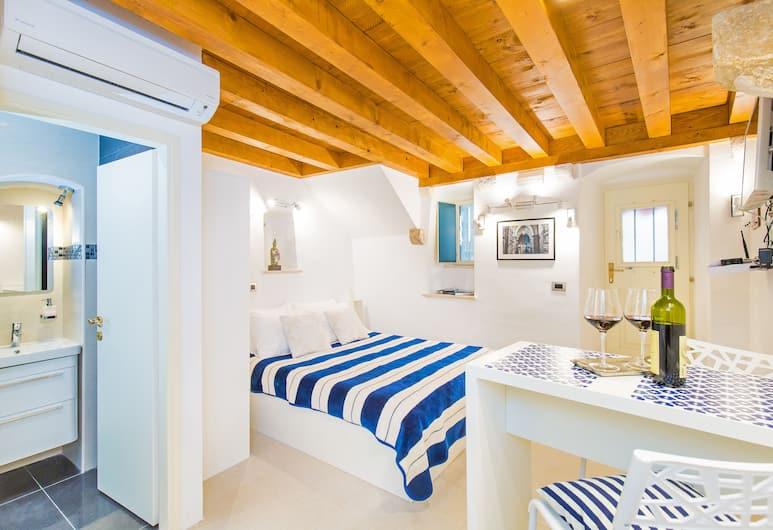 Apartments Le petit Nono, Dubrovnik, Superior-huoneisto (Studio - Zudioska Street ), Vierashuone