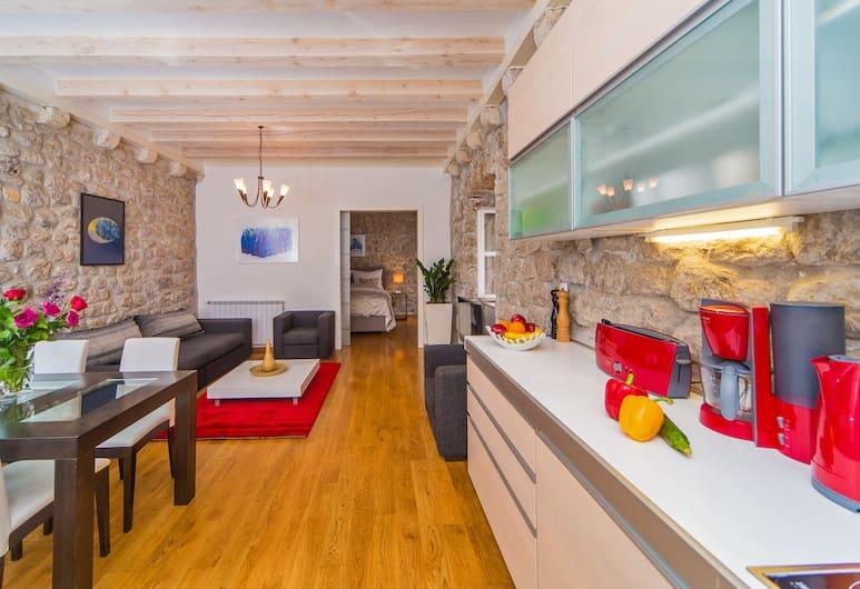 Dubrovnik Boutique Apartments, Dubrovnik, Deluxe One Bedroom Apartment - Second Floor, Living Area