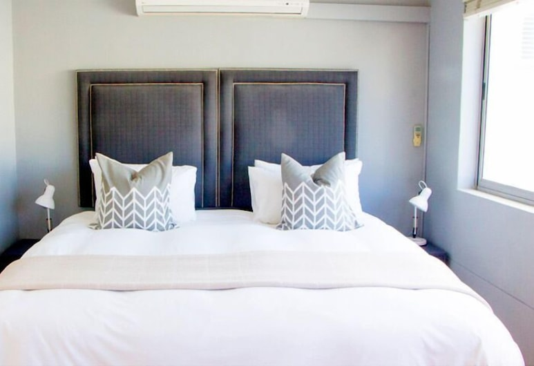 ITC Hospitality Two Bedroom Family Suite in Green Market Place, Cape Town, Apartment, Room