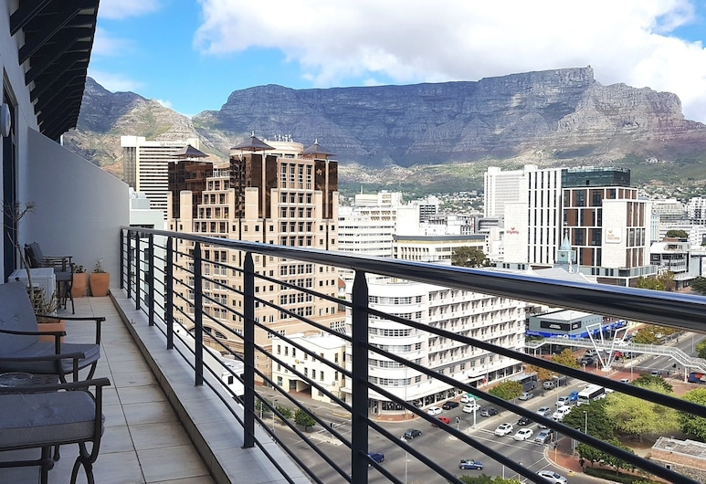 ITC Hospitality Group One Bedrooms Cartwright s Corner, Cape Town, 1 Bed Apartment - Terry, Balcony