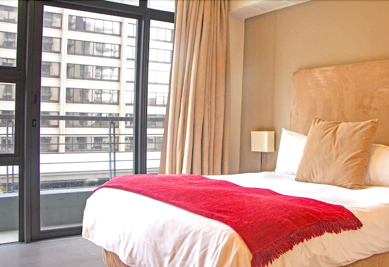 ITC Hospitality Group One Bedrooms Icon Building, Cape Town, Panoramic Apartment, Room