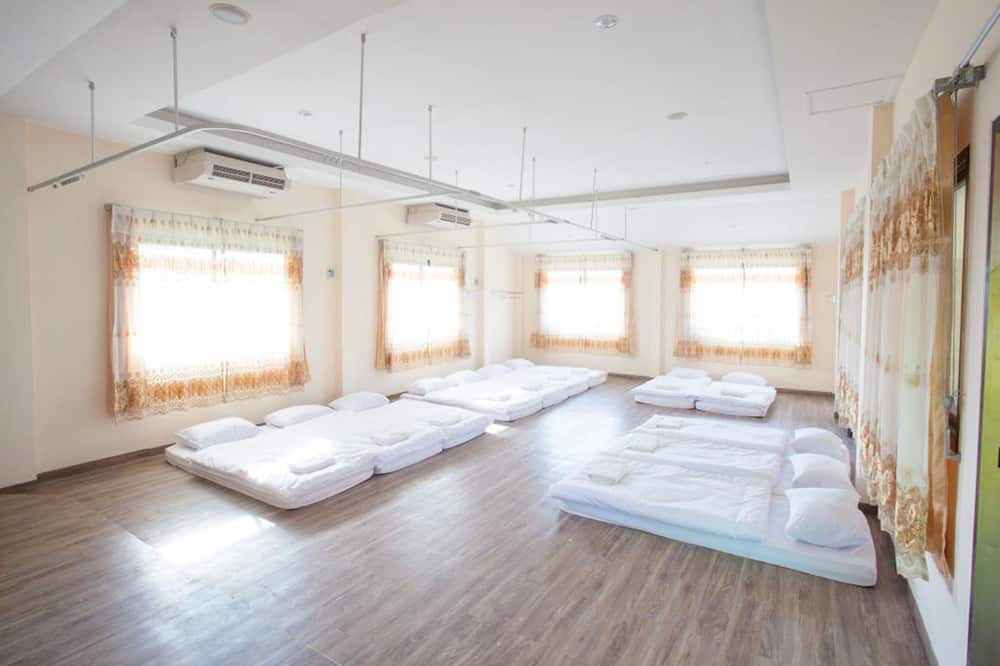 Standard for 12 People - Guest Room
