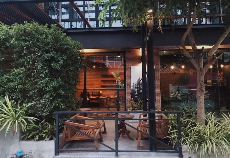Yotaka The Hostel@Bangkok, Bangkok, Terras