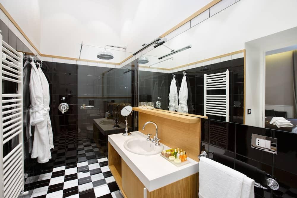 Phòng Suite dành cho gia đình, Phòng thông nhau - Phòng tắm