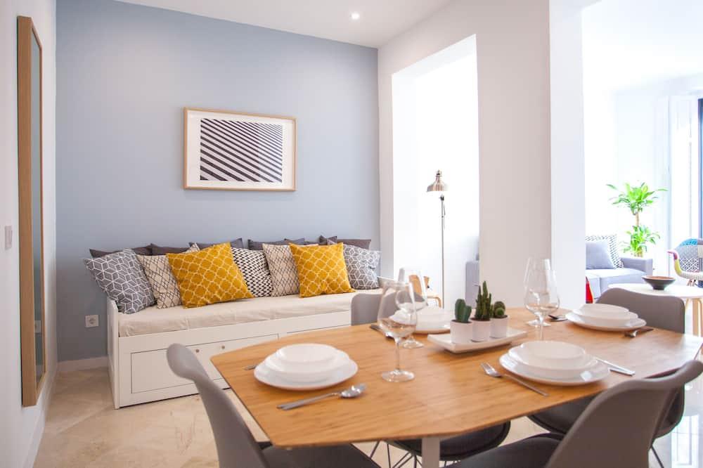 Departamento familiar, 2 habitaciones, balcón, vista a la ciudad - Servicio de comidas en la habitación