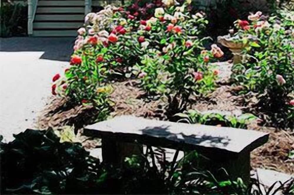 Arbour Garden Bed & Breakfast
