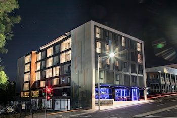 Picture of Studio 8 Residences - Adults Only in Ryde
