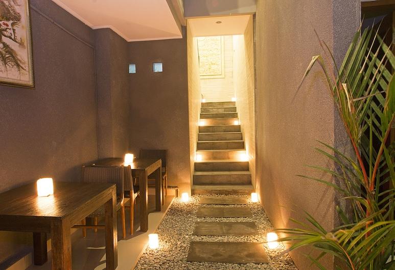 M & D Guesthouse Seminyak, Seminyak, Fachada do hotel