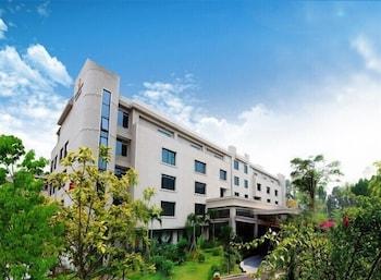 Picture of Gold Bridge Garden Hotel Xiamen in Xiamen