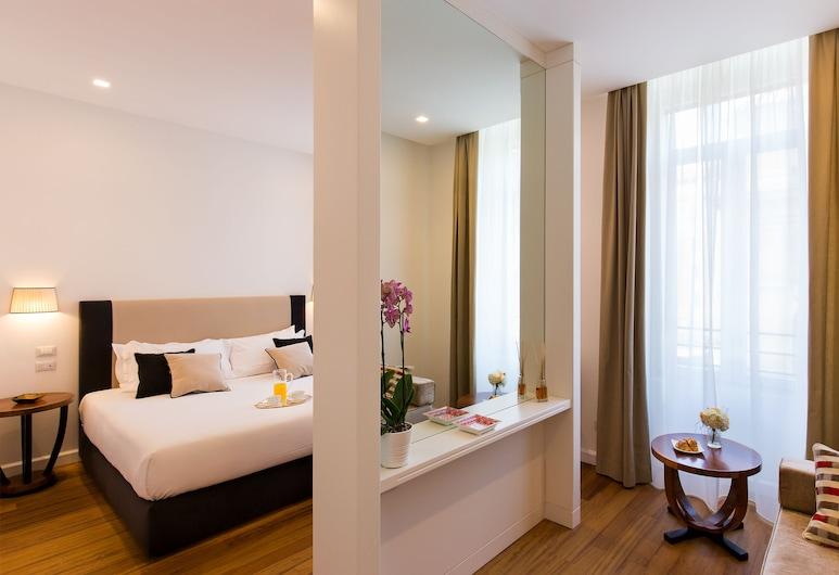 人民廣場 900 酒店, 羅馬