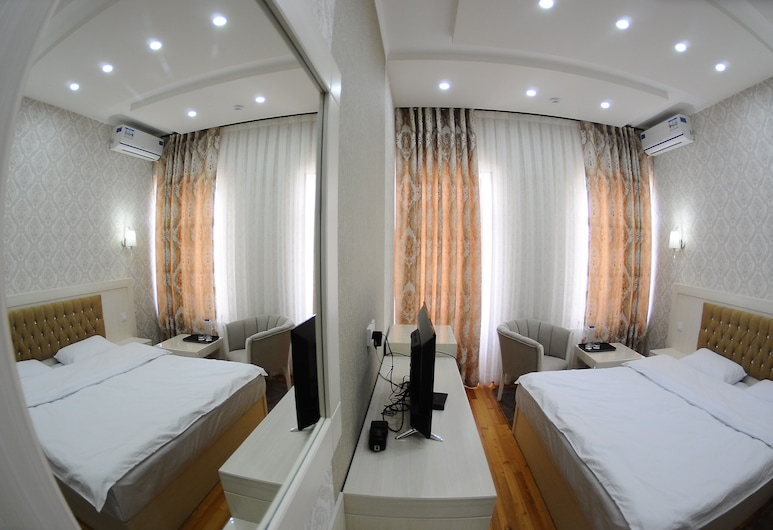 Hotel Afrosiyob, Карши, Номер-люкс категорії «Джуніор», 1 велике односпальне ліжко, Номер