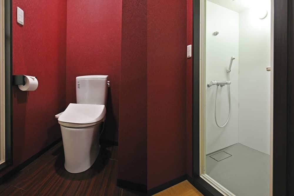 10 Persons Female Dormitory - Bathroom