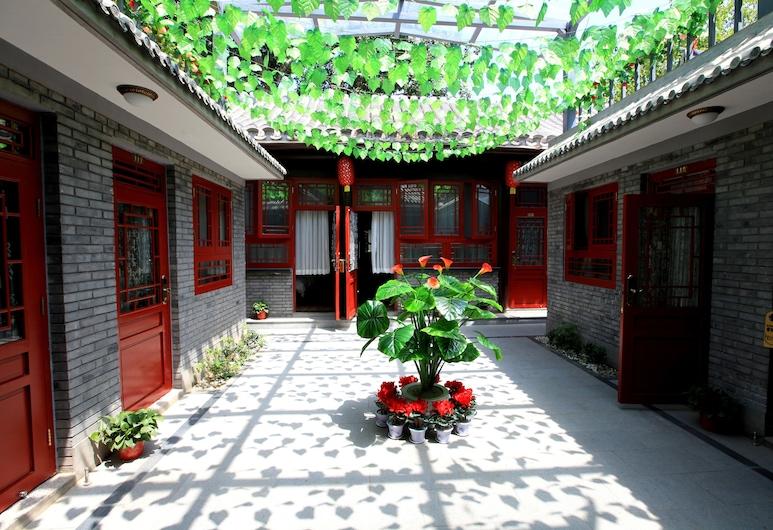 Zhantan Courtyard Hotel, Beijing, Property Grounds
