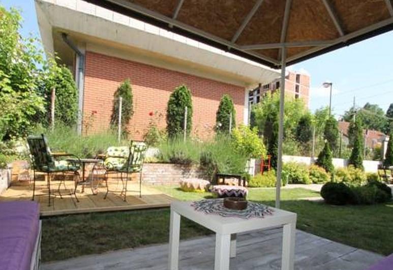 Dolce Vita Luxury Suites, Belgrad, Garten
