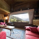Chalet, 5 Bedrooms, Balcony, Mountain View - Living Room